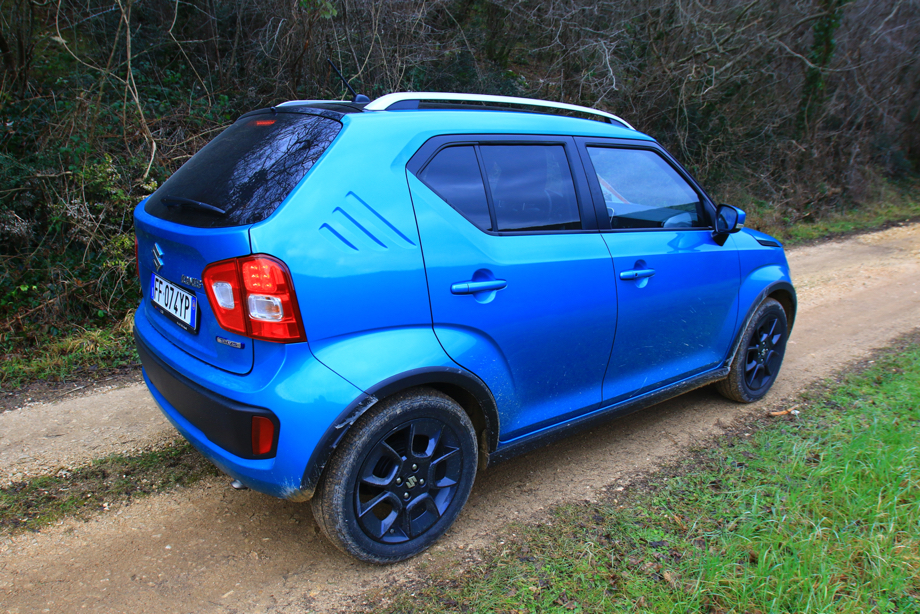 suzuki ignis un piccolo capolavoro motorsand4x4 tutto sul mondo offroad. Black Bedroom Furniture Sets. Home Design Ideas